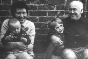 Генрих, дочь Марина и внуки